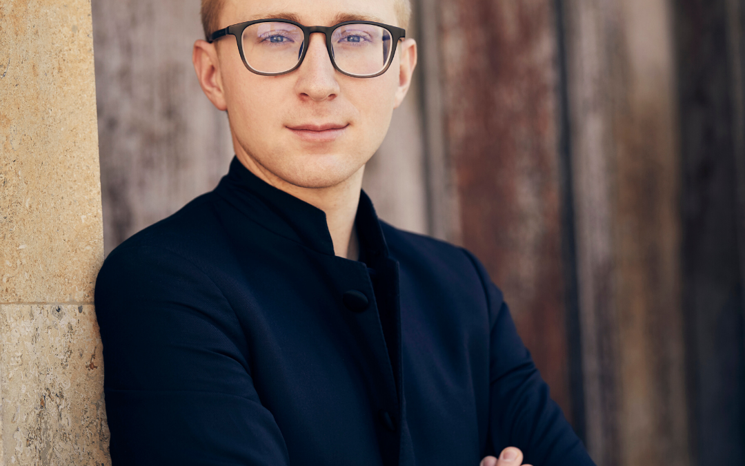 Patrick Hahn is appointed General Music Director of the Wuppertaler Bühnen und Sinfonieorchester GmbH.