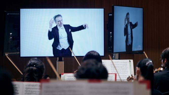TSO News Release: First ever concert with recorded-video conducting: Tokyo SO/Jonathan Nott.