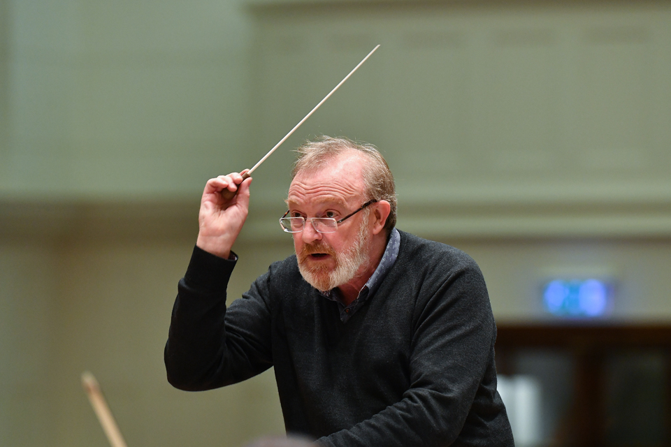 Brabbins conducts Britten [live BBC Radio 3 broadcast on Thursday 12 November 2020 from City Halls Glasgow at 7.30 p.m.]