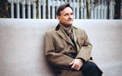 Many Happy Returns to pianist, composer & author Stephen Hough, 59 today.