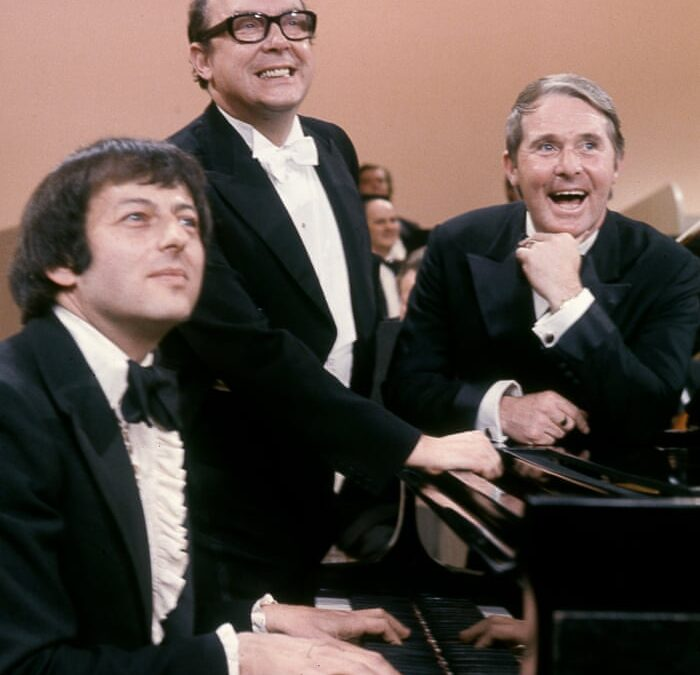 The Morecambe & Wise Show: André Previn conducts Grieg's Piano Concerto … by Grieg.