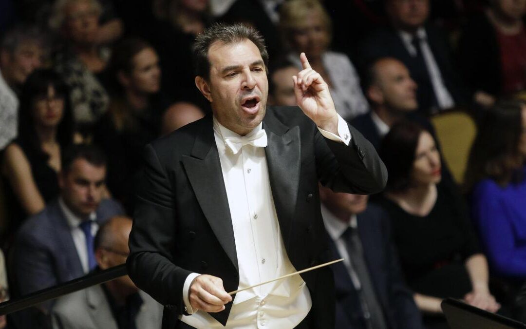 Berliner Philharmoniker – Daniele Gatti conducts Stravinsky's Apollon musagète and Shostakovich's Fifth Symphony [live webcast]