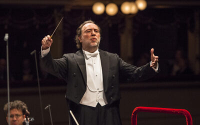 Riccardo Chailly extends contract as music director of Lucerne Festival Orchestra until 2026.