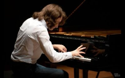 Yoav Levanon, the young Israeli-French piano prodigy signs an exclusive contract with Warner Classics.