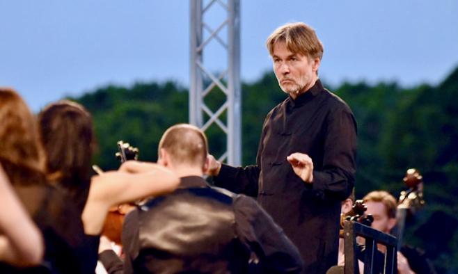 Philharmonia Orchestra/Esa-Pekka Salonen at Royal Festival Hall – Ravel – Julia Bullock sings Les Illuminations [live BBC Radio 3 broadcast]