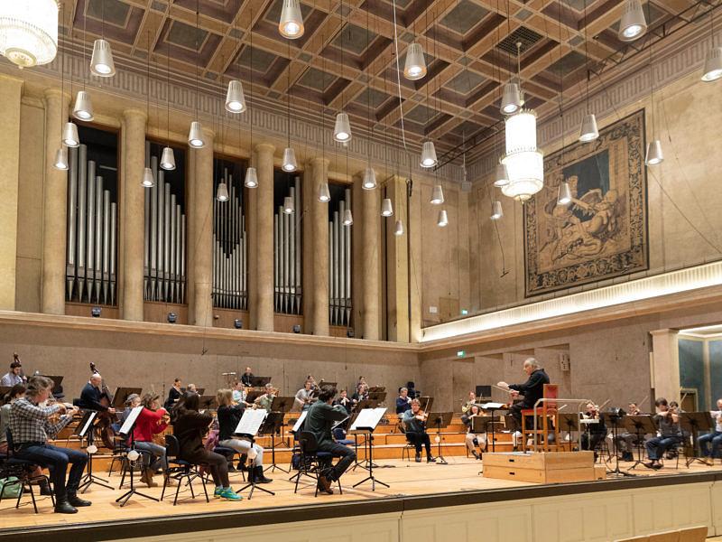 Bavarian Radio Symphony Orchestra and Choir – Zubin Mehta conducts Haydn & Schubert Symphonies and Sacred Verdi [live radio relay]