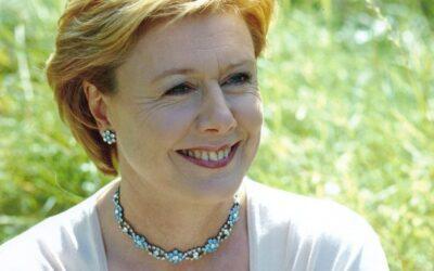 Many Happy Returns to mezzo-soprano Diana Montague, 68 today.